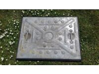 MAN HOLE/DRAIN COVER GALVANISED 600mmX 450mm COMPLETE WITH INLAY