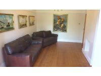 MASTER BEDROOM in large Chorlton 4-bed professional houseshare - Double bed & En suite