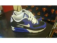 Brand new size 6 ladies Nike air max