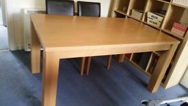 Table with 3 chairs . Good condition