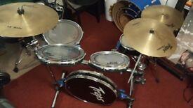 Traps A400 Acoustic Flatpack Drum kit