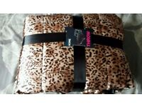 Brand new leopard animal print satin feel throw