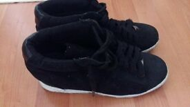 Ladies or Girls Black Trainers Shoes size 6/39