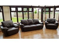 SCS CHOCOLATE BROWN LEATHER 3 SEATER AND MATCHING 2 CHAIRS