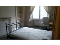 single room in a 4 bedroom flat city centre