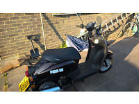 49cc 2 seater Sinnis Flair moped - low mileage, hardly used