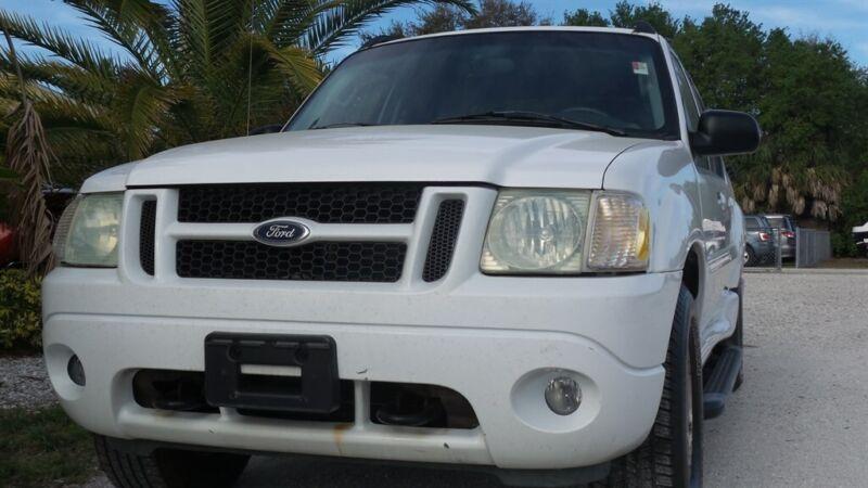 Image 1 Voiture Américaine d'occasion Ford Explorer Sport Trac 2004