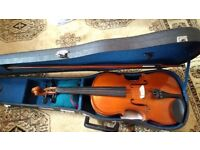 Skylark violin and bow in case 4/4 adult sized 57cm