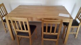 OAK DINING TABLE WITH 4 OAK CHAIRS 5FT x 3 FT