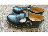 Dr Marten Polly T Bar size 6 - LIKE NEW