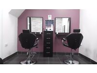 ***LADIES HAIR/BEAUTY CHAIR TO RENT ***