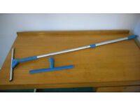 ***FREE DELIVERY*** Telescopic window cleaner - In perfect condition - Selling due to recent move