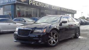 2012 Chrysler 300 SRT8 6.4L HEMI 470HP   PANO ROOF   NAVI  BACK-