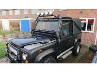 Off-Road Land Rover Defender 90