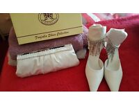 bridal shoes ivory matching clutch bag very smart size 4 was to small for me