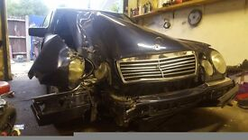 Mercedes E class 1996 2.3 front end damage (NOT RECORDED)