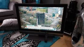 LG 37 INCH LCD TV WITH BUILT IN FREEVIEW.