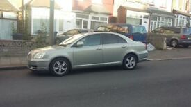 Automatic Toyota Avensis Saloon Silver