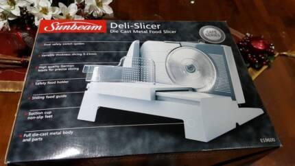 Mouse over image to zoom Sunbeam-ES9600-Cafe-Series-Food-Slicer