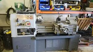 tour a metal / lathe 14 x 30