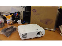 BenQ MW526 Projector (hardly used and in perfect condition)