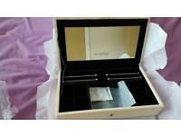 Pandora Charms Box
