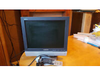 SAMSUNG LCD 15in tv / pc monitor