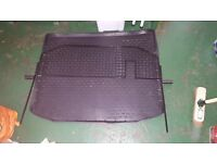 dog guard and rubber mat