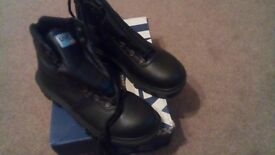 Size 8 Safety boots
