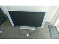 Flat Screen TV 32 Plasma LCD Philips - needs to go by Sunday!