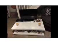 White painted melanine coffee table