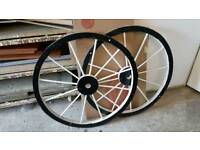 Candy cart wheels