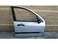 FORD FOCUS MK1 98-04 FRONT DRIVERS DOOR (5 DOOR)