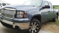 2008 GMC 1500 ext cab 4x4, DVD, rims, lots of extras