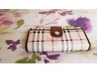 Women's Burberry style purse