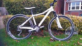 Cube access comp bike