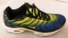 Brand new men's Nike TN Blue/Yellow trainers. Size 9. Great Xmas gift.