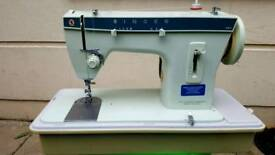 SINGER SEWING MACHINE 257