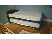 EXTENDABLE KING-SIZE BED