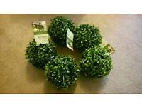 5 Artificial 15cm Topiary Boxwood Ball by Gardman (new with tags)