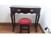 for sale hall table in verrygood condition