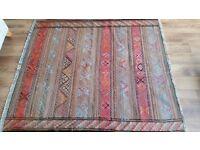 Authentic kilim aztec print rug beautiful excellent condition