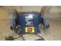 """TITAN SF150SQ 6"""" Bench Grinder / Grinding Wheel, absolutely like new."""