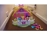 Minnie Mouse horse and stable