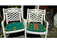 Garden chairs with cushions