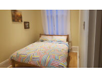 Bedroom in Shepherds Bush W12 200pw all inclusive . Share flat with one tenant. 1 min from stations.
