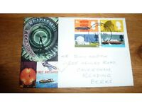 100 FDC AND FREE NEW MAGNUM ALBUM WORTH 26 POUND [GREAT BRITAIN STAMPS]