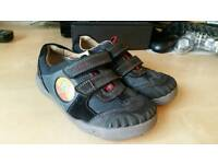 Boys Clarks Stomposaurus size UK 9G. Excellent condition (like new).