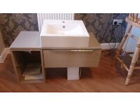BATHROOM UNIT SINK AND UNDER CABINET WALL MOUNTED - TAVISTOCK