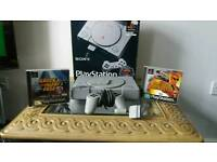 Playstation 1 (boxed with 2 games)